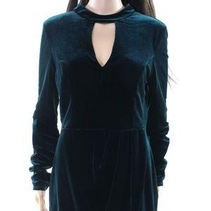 Soprano Dresses - NWT Nordstrom Green Velvet Choker Cocktail Dress